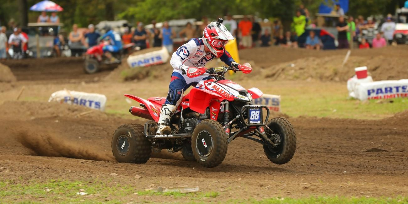 Photo Gallery: Loretta Lynn Pro