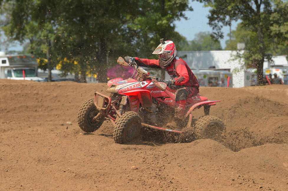Joel Hetrick went 2-1 on Saturday to take the overall win, and finished 2nd in the AMA Pro class on Sunday. Photo: Ken Hill